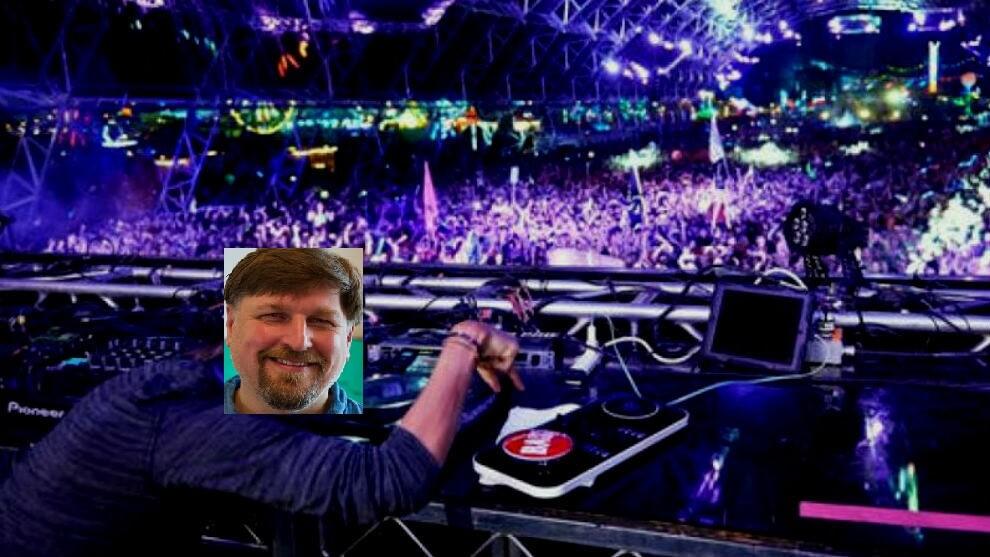 Holo Arthur Brock DJ meme